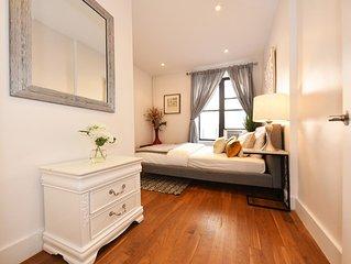 Modern Duplex - Chelsea Charmer!!