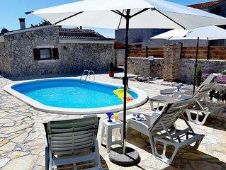 Modern Holiday Home in Zemunik Gornji with Pool