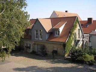 Ferienwohnung Steinsfeld fur 4 - 5 Personen mit 2 Schlafzimmern - Historisches G