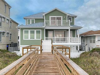Sage Seahorse: Beautiful, Oceanfront, Pool, Hot Tub, Vacation Single Family Home