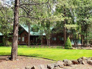 Group Retreat Cabin Secluded on 3 Acres