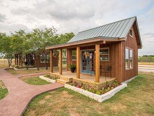 Country Tiny House - 10min to Silos at Magnolia (#1)