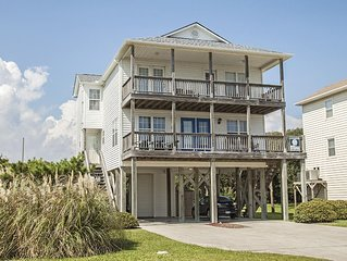 Kelly Dawn: One Block from Pier and Restaurant with Beach Access Across the Stre