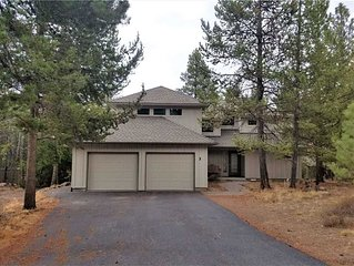 3 Lark Lane: 3 BR / 3.5 BA home in Sunriver, Sleeps 8