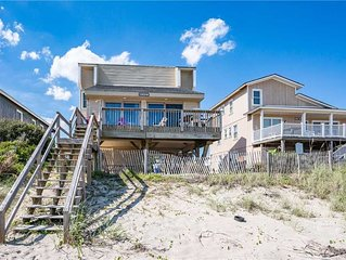 Vintage Beach Home with Awe-Inspiring Views Close to Public Boat Access and Blue
