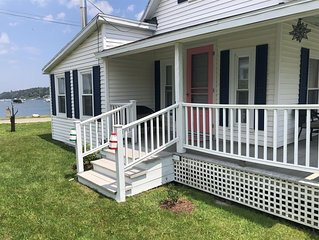 2 Bedroom, 1 Bath cottage located on beautiful Garrison Cove