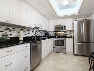 25% OFF MAY 1-NOV 13 2020  Gorgeous Remodeled Island Winds Unit with Beach Views