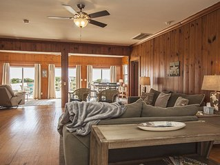 6 Bed/5 Bath Oceanfront Rental with Hot Tub and Game Room on Caswell Beach