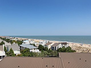 A606: 2BR Sea Colony oceanfront condo! Private Beach, pools, tennis & more!