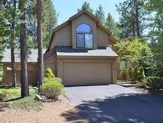 1 Lassen Lane: 4 BR / 3.5 BA home in Sunriver, Sleeps 8