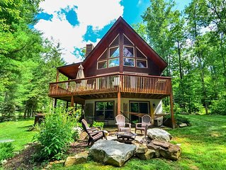 Lake Access Home w/Hot Tub, Pool Table, Fire Pit, & Gas Fireplace!