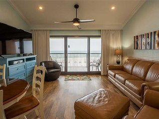 302- REMODELED BEACH FRONT condo, come enjoy our beautiful sunsets! Destin Beach