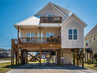 Casa Capri: 3 BR / 2.5 BA house in Topsail Beach, Sleeps 6