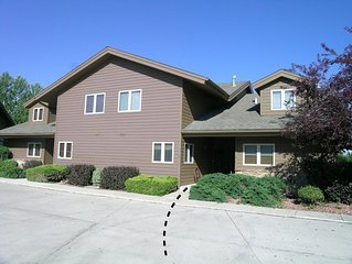 A Chalet ~ Red Lodge Country Club Townhome
