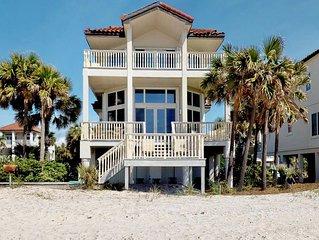 FREE BEACH GEAR! Beachfront East End, Fireplace, Wi-Fi, 4BR/4BA 'Grande Mer'