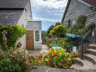 Jurassic coast spacious self contained holiday cottage accommodation.