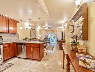 New Listing! Lahaina Town 4Br Condos, 3 mins  to Beach, Front St & shops!