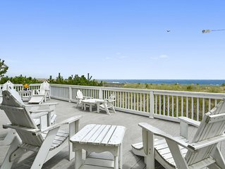 OCEANFRONT Home wth Wi-Fi, 2 Large Oceanfront Decks, and 2 Masters!