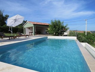 Old renovated house with private swimming pool, romantic, quiet, family friendly