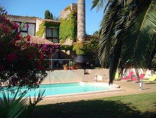Les Issambres - Maison de caractere, moderne, jardin  ombragede 1600 m2