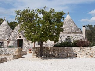 Beautiful 3 bedroom trullo with swimming pool, between Locorotondo & Cisternino