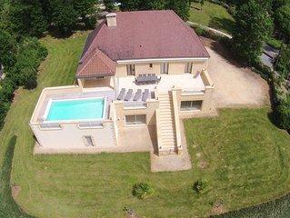 Charmante Villa en pierre avec piscine proche de SARLAT