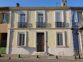 Belle maison de ville, 8 pers, ext/piscine, 10mn plages Cassis et La Ciotat