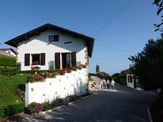 Appartement au calme dans maison basque au pied de la Rhune.