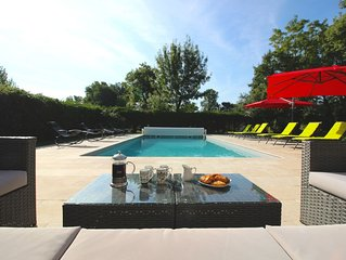 Luxury Air Conditioned + Heated Pool 4 bed 4 bath Village House in the Dordogne