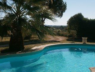 Villa 8/9 p trés confortable splendide vue sur Uzes