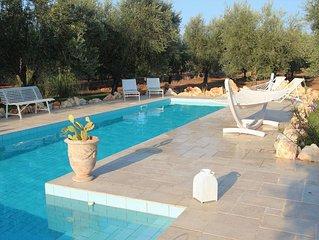 Casa Kit - Stylish 2 bedroom villa with air con, 13m x 5 pool & near to beaches