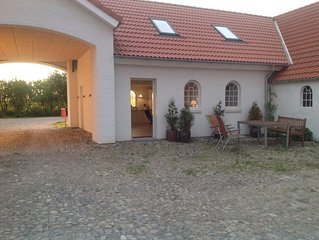 Apartment with all necessary facilities. Directly at the fjord