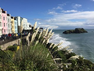LOVELY VICTORIAN COTTAGE WITH GARDEN, TENBY. CENTRAL, NEAR BEACH WITH WI-FI