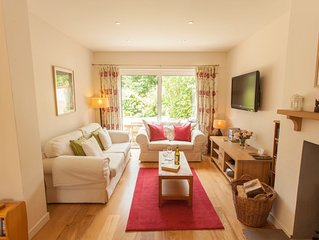House with Garden, Woodburner and WiFi Sleeping 7 Near Beadnell and the Coast
