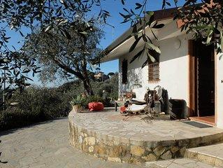 Casa di Charme in collina con giardino, vista panoramica del mare e piscina