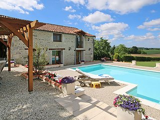 Stunning Barn conversion with private pool in Champagne-et-Fontaine
