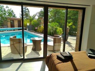 villa avec piscine privee  chauffee entre ceze et ardeche