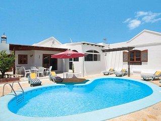 Villa con piscina privada a 10' de la playa y FREE WIFI