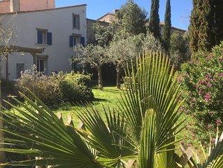 la maison Mas Calmettes: mer 3km,150m2, pour 7-9 personnes, calme, grand jardin