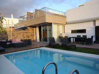Ultra Modern Villa, with Private heated Pool, Fully Air-Conditioned