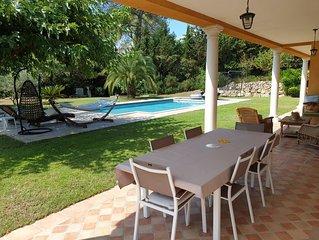 Villa avec piscine sans vis à vis dans domaine sécurisé privé à Mougins