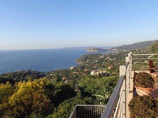 Airconditioned villa met panoramisch uitzicht op Iles d'or voor max.6 personen.