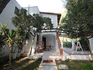 Villa indipendente per famiglie in cerca di ampi spazi, di relax e di mare!