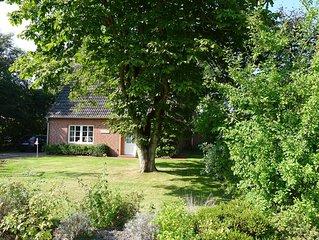 Gemütliches Ferienhaus mit großem Garten für einen entspannten Urlaub