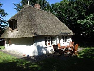 Gemutliches ruhig gelegenes Reetdachhaus mit grossem Garten
