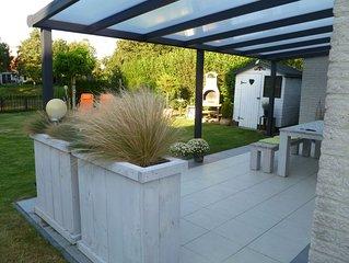 lux. gr. Ferienhaus mit gr. Garten in Zeeland am Meer mit Hund