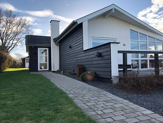 Familienfreundliches Ferienhaus mit Meeresblick nur 300 m von der Ostsee