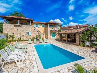 Luxuriöse Villa mit Jacuzzi und einen privaten Pool