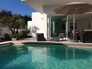 Maison d'architecte neuve, au calme avec piscine chauffée