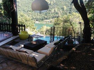 Maison très confortable, lumineuse avec jolie vue sur lac et beaux arbres